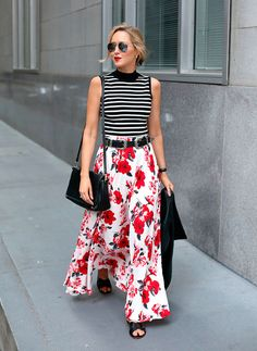 floral maxi skirt, black and white striped mock neck top, black leather jacket… Look Fashion, Girl Fashion, Fashion Outfits, Fashion Trends, Nyc Fashion, Modest Fashion, Fashion Shirts, Travel Outfits, Fashion Bloggers