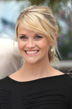 Bildergebnis für frisuren pony seitlich Blond Pony, Frange Blonde, Reese Witherspoon, Ponys, Hair Designs, Ritz Crackers, Cute Hairstyles, Health And Beauty, Girly Things