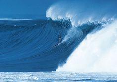Quiksilver In Memory of Eddie Aikau 2012 Invitees Announced Surf Competition, Waimea Bay, Big Wave Surfing, Hawaiian Homes, North Shore Oahu, Water Waves, Surf Outfit, Big Waves, Hawaiian Islands