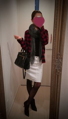 Black blouse with checkered buttoned shirt and white skirt - http://ameblo.jp/nyprtkifml