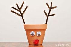 Easy craft for kids: Christmas reindeer pot Christmas Crafts For Kids To Make, Simple Christmas, Christmas Projects, Holiday Crafts, Crafts To Make, Holiday Fun, Christmas Holidays, Christmas Decorations, Christmas Ornament