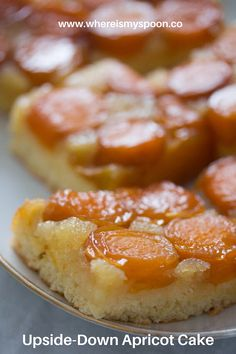 Upside Down Apricot Cake with Fresh ApricotsUpside Down Apricot Cake with Fresh ApricotsEasy Fresh Peach or Nectarine Cake Romanian Cake Recipe Summer Cake Recipes, Dump Cake Recipes, Summer Cakes, Dessert Recipes, Summer Desserts, Apricot Cake, Peach Cake, Apricot Recipes, Pear Recipes