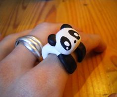 Reasons to visit Chengdu - Hugging Pandas! Panda Ring, Panda Panda, Panda Love, Panda Bears, Panda Decorations, Animal Rings, Polymer Clay Projects, Clay Creations, Diy Projects To Try