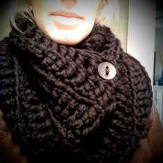 want to knit a similar black cowl with some wool/mohair lambs pride.  need to find cute buttons.