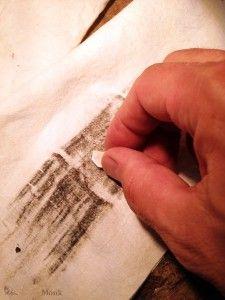How to Polish a Flat Piece of Jewelry with a Paper Towel - Pulire una lastra di metallo con un tovagliolo di carta