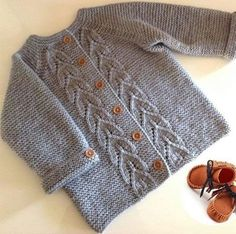 cok-guzel-orgu-bebek-hirkasi-nazarca – Nazarca.com Knit Baby Sweaters, Boys Sweaters, Baby Dress, Knitting Designs, Baby Knitting Patterns, Baby Patterns, Baby Sweater Patterns, Cardigan Pattern, Cardigan Bebe