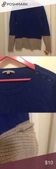 Gap blue/taupe colorblock sweater with buttons M The gap brand. Crew neck sweater with button detail on shoulder. Royal blue and taupe colorblock. Nylon and wool blend. Size M. Has area on right side where seam has come apart. Could be easily repaired. Otherwise in good used condition. GAP Sweaters Crew & Scoop Necks
