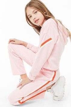 Girls Striped-Trim Fleece Ankle Pants (Kids) - Cute girl outfits - Best Picture For teen Clothing adidas For Your Taste You are looking for something, and it is going Preteen Girls Fashion, Teenage Girl Outfits, Cute Girl Outfits, Tween Girls, Cute Casual Outfits, Outfits For Teens, Kids Girls, Cute Girls, Kids Fashion