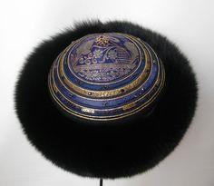 Pelshat / Pelshue. Fur hat, Model Tartar, in fox with handembroidered top on Indian silk brocade. Handmade by Jane Eberlein, Samarkand, Copenhagen, Denmark. www.samarkand.dk