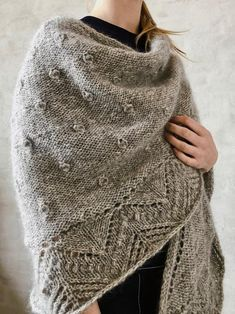 knitting pattern for Vesterhav shawl. in Önling No 9, 100% Danish-manufactured, sustainable texel- and gotlander wool, and silk mohair Hand Crochet, Crochet Baby, Knit Crochet, Crochet Shawl, Crochet Patterns For Beginners, Baby Knitting Patterns, Susan Sullivan, Matching Sweaters, Crochet Needles