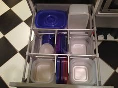 Port Potager: Organizing Tupperware with Ikea Drawer Dividers