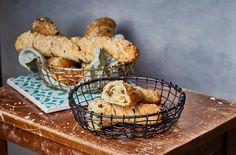 Olívás stangli | Street Kitchen Muffin, Bread, Cookies, Chicken, Breakfast, Kitchen, Desserts, Street, Baked Goods