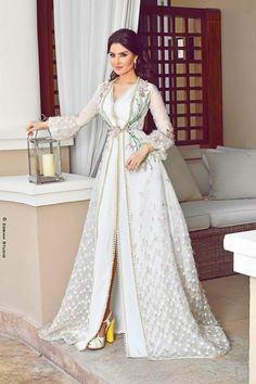 Long Dress Fashion, Abaya Fashion, Muslim Fashion, Caftan Gallery, Morrocan Dress, Eid Outfits, Mode Abaya, Traditional Fashion, Oriental Fashion
