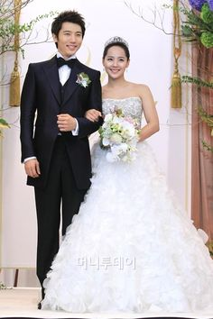 Real life dress up celebrities names pictures - Morgan City Realistic (Page Korean Celebrity Couples, Asian Celebrities, Celebrity Names, Celebs, Ki Tae Young, Hollywood Couples, Korean Wedding, Beautiful Suit, Before Wedding
