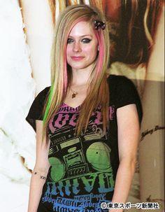 アヴリル・ラヴィーン ▼4Sep2014東スポ|「全裸流出」なぜ米女優は恥ずかしい写真を撮る? http://www.tokyo-sports.co.jp/entame/entertainment/308270/ #Avril_Lavigne