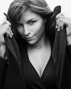 Lien van de Kelder (born: October Kortrijk, Belgium) is a Belgian actress and TV presenter. She acted in the Belgian TV Series Thuis en Zone Stad. Art Photography Women, Portrait Photography, The Magnificent Seven, Tv Presenters, Black And White Portraits, Documentary Photography, Female Portrait, Celebs, Poses