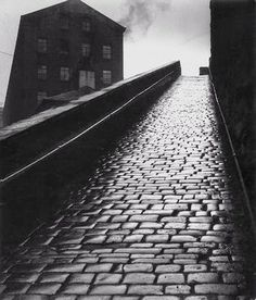 """A snicket in Halifax, West Yorkshire"" by Bill Brandt, 1937 Edward Weston, Bill Brandt Photography, Urban Photography, Street Photography, Straight Photography, Photography Themes, Heart Photography, Portrait Photography, Man Ray"
