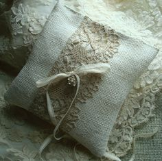 ring pillow...