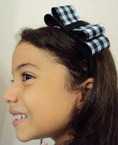 Flor de Açaí: Tiara - Menina de Laço Xadrez