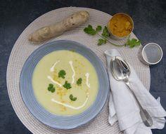 Le Curry, Thai Red Curry, Menu, Vegan, Ethnic Recipes, Food, Cream Soups, Cilantro, Coconut Cream