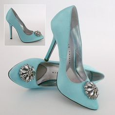 Tiffany blue bridal shoes? Something blue.........