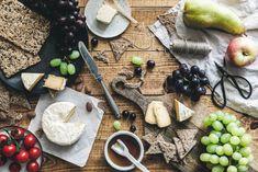 Veganer Camembert. Das ist kein Scherz! Es gibt selbstgemachten, bombastisch leckeren veganen Käse, der dir Freudentränen entlocken wird! Los geht's ?