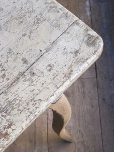 Worn & rustic surface