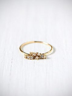 10 diamond cluster ring. delicate and outstanding