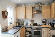 2 bedroom town house for sale in Noble - Rightmove Narrow Kitchen, Townhouse, Property For Sale, Kitchens, Kitchen Cabinets, Home Decor, Decoration Home, Terraced House, Room Decor