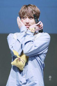 Jungkook ❤ BTS Sinchon Fansign (170225) #BTS #방탄소년단