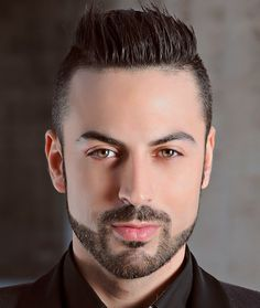 Anthony Peth presentazione Calendario del Made in Italy 2016 Cool Haircuts, Haircuts For Men, Raoul Bova, Hair And Beard Styles, Hair Styles, Hair Toupee, Beard Fade, Wet Look, Beauty Make Up