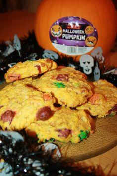 Caroline Makes.: Pumpkin Spice M&M Halloween Cookies Halloween Cookies, Dinner Menu, Holidays Halloween, Pumpkin Spice, Biscuit, Meal Planning, Barrel, Cake Decorating, Spices
