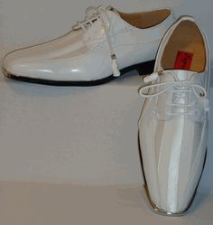 Mens Gorgeous White Satin Stripe Silvertip Dress Shoes Expressions 4925 Formal Looks, Dress Shoes, Men Dress, White Satin, Beautiful Shoes, Leather And Lace, Keds, Lace Up, Loafers