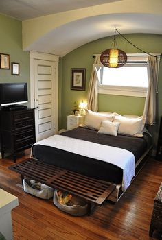 Love the arch over the bed. not that hard to build, would be fun. Green & Brown Bedroom from apartment therapy