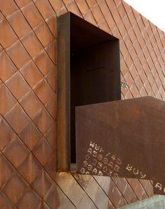 Sparano + Mooney clads Utah residence in hundreds of steel shingles