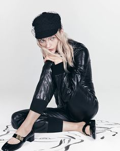 An image from Dior's spring 2018 advertising campaign with Sasha Pivovarova Dior's spring-summer 2018 campaign earlier this year, the French fashion house has unveiled new images from the season. Lensed by Patrick Demarchelier. Urban Fashion, Teen Fashion, Fashion Art, Editorial Fashion, Fashion Beauty, Vintage Fashion, Womens Fashion, Fashion Trends, Beauty Style