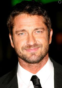 Gerry, do you know what you do to us when you smile? #Gerard #Butler