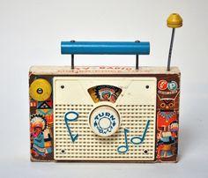 vintage child's radio I had one of these.mine played Jack n Jill went up the hill Vintage Games, Vintage Toys, Retro Vintage, Vintage Stuff, Fisher Price Toys, Vintage Fisher Price, Best Memories, Childhood Memories, Tv On The Radio