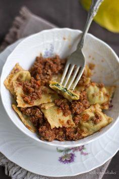 Ravioli di ricotta e spinaci con ragù di Annarita