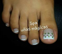 Uñas pintadas Pretty Toe Nails, Cute Nails, My Nails, French Pedicure, French Nails, Nail Polish Art, Toe Nail Art, Nails Only, Manicure And Pedicure