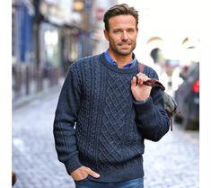 Írsky pulóver s okrúhlym výstrihom | blancheporte.sk #blancheporte #blancheporteSK #blancheporte_sk #vianoce #darcek #premuzov #moda Men Sweater, Sweaters, Products, Fashion, Men Wear, Round Collar, Wool, Blue, Tricot