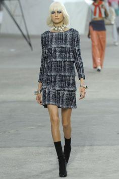 Chanel RTW Spring 2014 - Slideshow - Runway, Fashion Week, Reviews and Slideshows - WWD.com