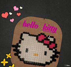 Hello kitty hecha con pyssla de ikea estan exas todas con ellos proximante,are con hama beads mini