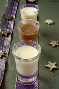 Simple, traditional but very good. Hungarian Recipes, Dessert Drinks, Cocktail Drinks, Milkshake, No Cook Meals, My Recipes, Glass Of Milk, Smoothie, Good Food