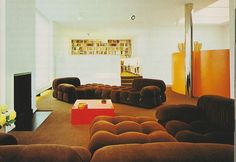 Houses Architects Live In - Interior Design – Voices of East Anglia Vintage Interior Design, Vintage Interiors, Home Interior Design, Interior Decorating, Futuristic Interior, Retro Futuristic, Futuristic Design, 1970s Furniture, Furniture Design