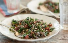 Warm Kale and Lentil Salad with Sun Dried Tomatoes // Tasty and nutritious! #healthy #salad #recipe