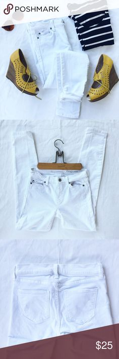 Gap | Skinny Jeans White | Like New | Size 24 R White Gap skinny jeans in perfect, new condition! Size 24 R or 00. These are the perfect jeans for summer. Tag reads: wash cold/wash and dry with like colors/non-chlorine bleach/tumble dry low. GAP Jeans Skinny
