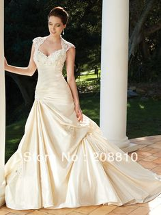 Elegant Lace Queen Ann Neckline Wedding Dress with Pick Up Skirt Keyhole Back Handmade Flowers Backless Bridal Ball Gown-in Wedding Dresses from Apparel & Accessories on Aliexpress.com