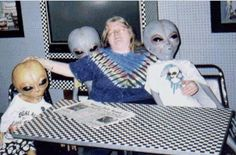 drawing Black and White b&w black draw alien aliens UFO ufos Funny Family Photos, Alien Aesthetic, Rainbow Aesthetic, Aesthetic Pastel, Character Aesthetic, Space Grunge, Aliens Funny, Good Vibe, Aliens And Ufos