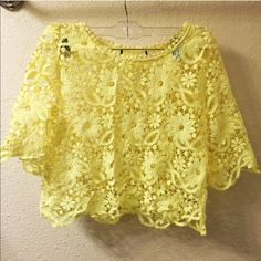 Super cute crochet crop top Wore it once to Barbados and got a lot of complement on it. Currently pregnant that's why I'm selling but it's very cute on. Tops Crop Tops
